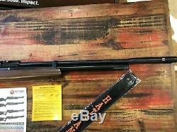 Hatsan AT44-W10 Long QE PCP Air Rifle, Walnut Stock. 25 Cal Excellent