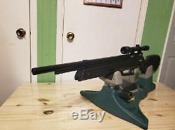 SENECA ASPEN. 22 cal PCP air rifle WITH a BUILT IN PUMP, BLACK